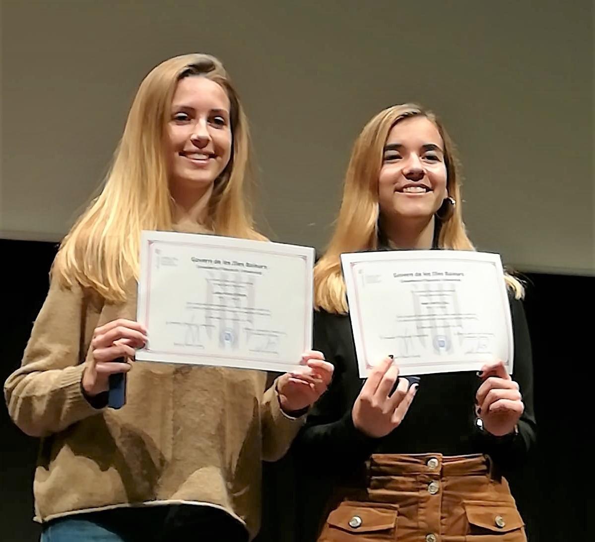 Na Mar i na Clara, reben el premi al rendiment acadèmic excel·lent 2018
