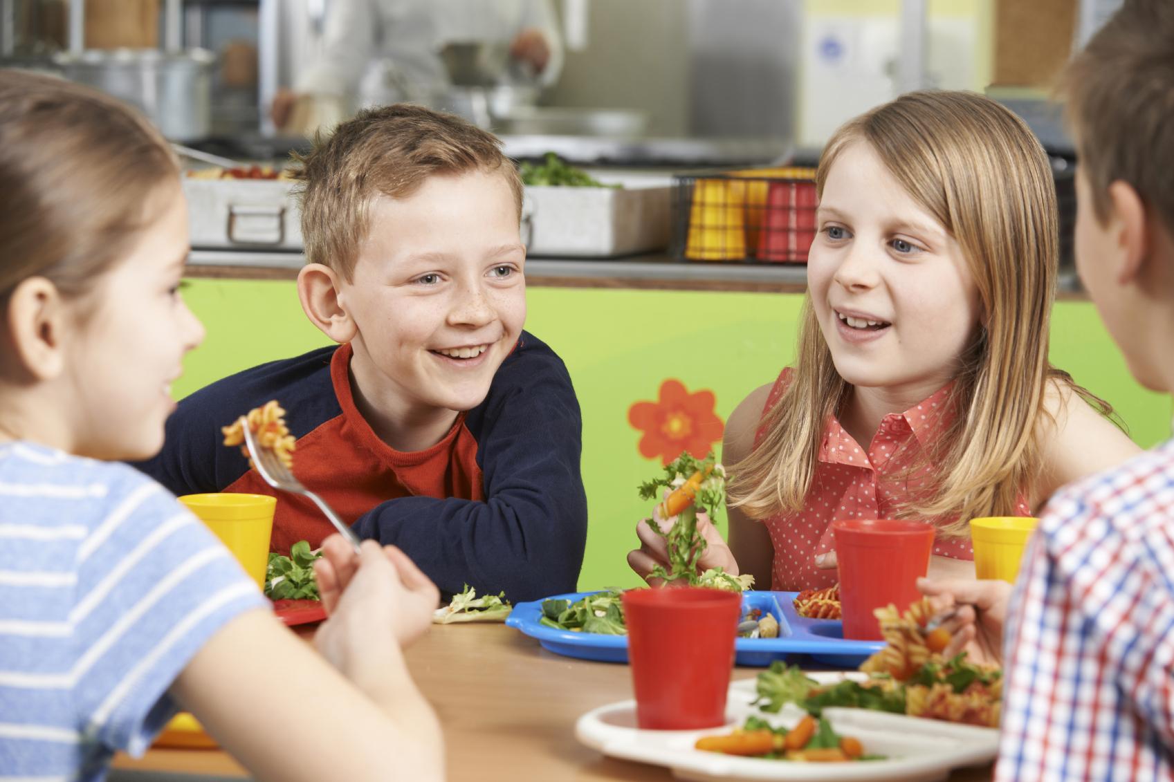 Obert el termini per sol·licitar les ajudes menjador del curs 2019/20